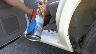 Антикоррозийная обработка порогов мовилем на Mazda Demio