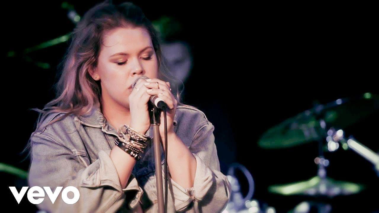 Grace - Boyfriend Jeans (Live at the Basement)
