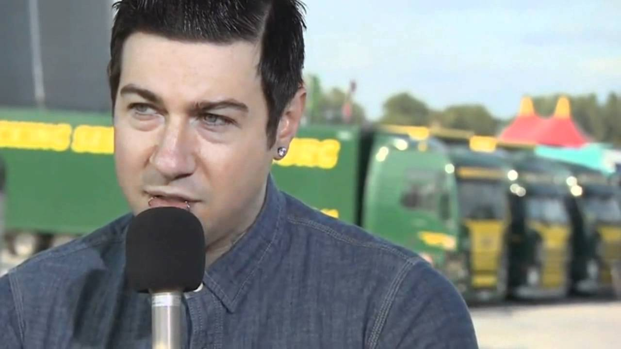 A7x Zacky Vengeance Interview At Download 2011 Rare Youtube