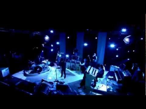 Jack White - I Cut Like A Buffalo (Live at Hackney 2012)