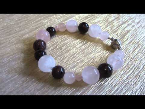 Камни для женского счастья. Браслет из натуральных камней: свойства граната и розового кварца