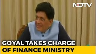 Ahead Of Interim Budget, Piyush Goyal Fills In For Arun Jaitley