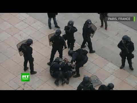 Interpellation musclée au Trocadéro en marge de l'acte 7