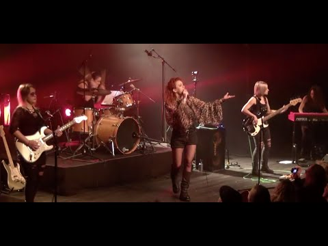 Strange Kind of Women - Perfect Strangers - live at La Grande Ourse Concert Hall