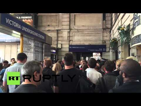 UK: London tube strike causes chaos as commuters battle to catch last train home