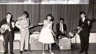 Julie Paris (Flashback) sings 60s songs