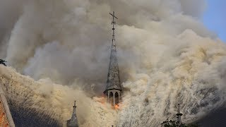 Drama in Amstelveen: Sint-Urbanuskerk afgebrand