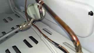 Утечка в холодильнике Индезит  Замена испарителя(Устранение утечки в запененной части холодильника Индезит. Установка лепесткового испарителя, замена..., 2016-12-19T13:20:06.000Z)
