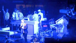 "LCD Soundsystem - ""Someone Great"" live at Madison Square Garden (4/2/11)"