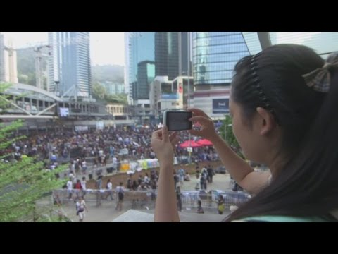 Chinese tourists' react to Hong Kong protests