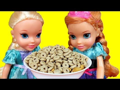 BREAKFAST !  ELSA & ANNA toddlers at RESTAURANT Strawberry JAM PANCAKES Milk Cereals Grape Jelly