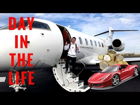 DAY IN THE LIFE OF AN INTERNET ENTREPRENEUR