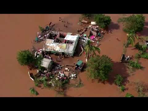 Cyclone leaves thousands homeless in Mozambique