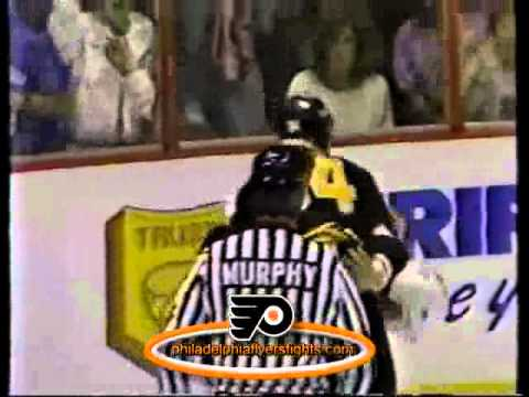 002 Sep 22, 1989 Lyndon Byers vs Jeff Chychrun Boston Bruins vs Philadelphia Flyers PRESEASON)