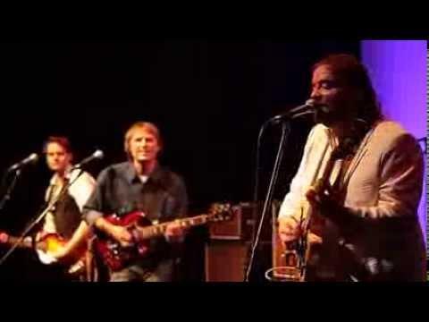 Revolution (live) - THE BEATLES Connection