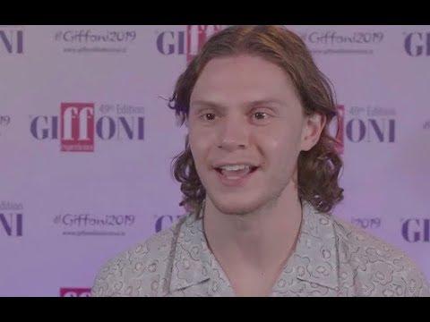 Evan Peters: In AHS vorrei interpretare un ragazzo normale | Intervista
