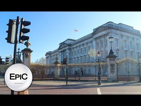 Buckingham Palace, The Mall & Victoria Memorial - London, UK (HD)