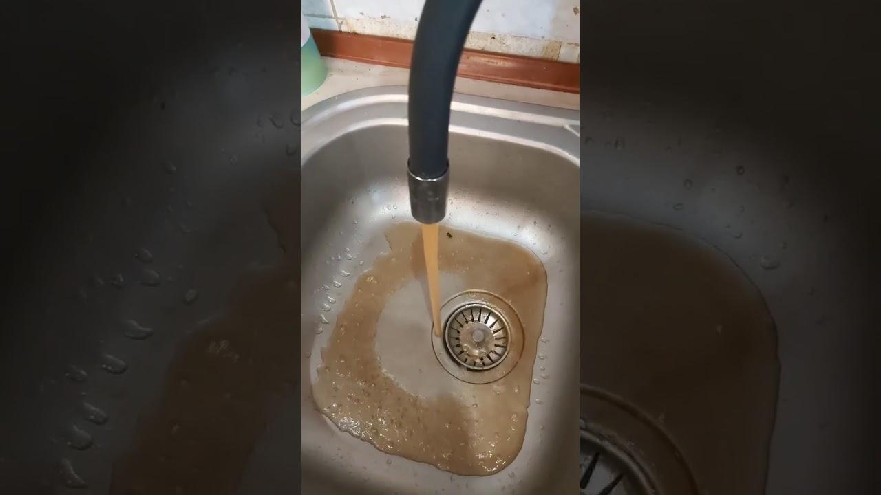 У Кропивницькому з кранів тече брудна вода
