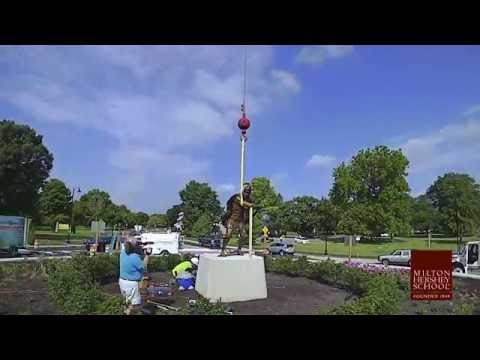 Male Spartan Statue Installation Time Lapse