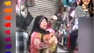 Video Pengamen nyanyi sambalado ayu tingting ketawa goki download MP3, 3GP, MP4, WEBM, AVI, FLV November 2018