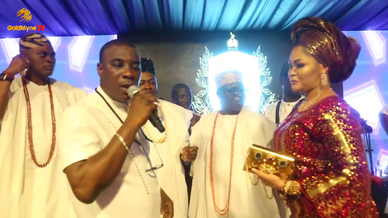 K1 DE ULTIMATE SPECIAL MOMENT FOR OBA SAHEED ELEGUSHI & WIFE AT 1ST YEAR ANN. OF OBA GBOLAHAN LAWAL