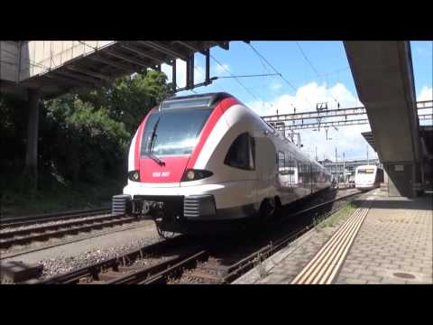 Treinen op station Basel SBB en Basel bad!