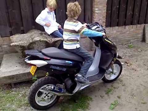 Neefje Op Honda X8r Youtube
