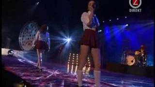 t.A.T.u. - All The Things She Said [Swedish Hit Music Awards 2002]