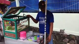UNIK BANGET BUATNYA!!! KUE LEKER TIKER - INDONESIAN STREET FOOD