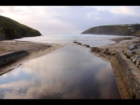 Places to see in ( Mawgan Porth - UK )