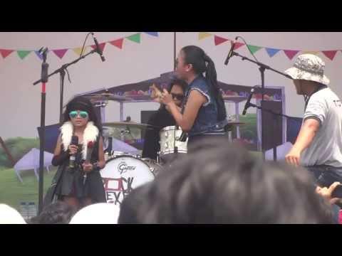 KOTAK feat Keyra (rocker cilik) - Tendangan Dari Langit part1
