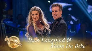 Ruth Langsford and Anton Du Beke Rumba to 'Diamonds Are Forever' - Strictly Come Dancing 2017