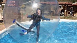 VIREI UM HAMSTER? BRINCANDO NA BOLHA GIGANTE (WATER BALL)  - Julia Silva