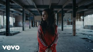 Amy Shark  C'MON ft. Travis Barker (Official Video)