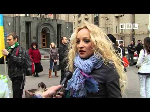 Видео: На Майдане христиане голосовали за мир и против войны СNL NEWS