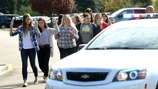 US - Multiple deaths after mass shooting at Oregon college