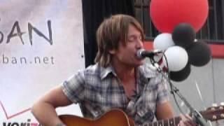 Keith Urban - Kiss a Girl - Live @ Verizon Store Pasadena