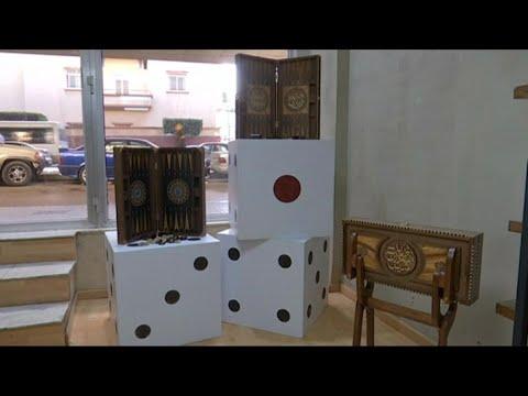 منوعات - المزج بين الشرق والغرب في لعبة الطاولة في لبنان  - نشر قبل 6 دقيقة