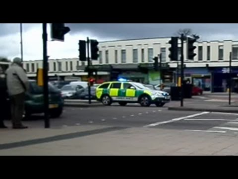West Midlands Ambulance RRV Responding (Shirley)
