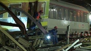 ستة قتلى و30 جريحا بينهم 8 بحالة حرجة في حادث قطار قرب باريس