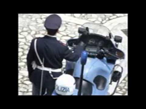 Canzone sulla polizia (Video ironico)