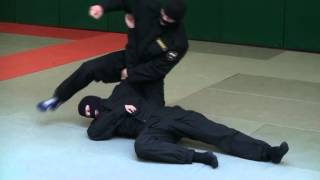 ОМОН. Видео рубрика по самообороне и боевому самбо. Урок №6(, 2013-06-21T11:51:17.000Z)