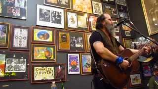 "Steve Earle Live at Twist & Shout ""Gamblin' Blues"""