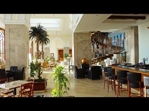 Тунис отель Movenpick 5* Помпезный холл, пальмы, пение птиц и кофе эспрессо круглосуточно бесплатно
