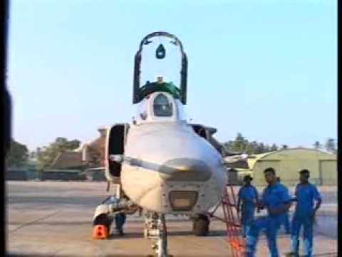 Sri Lankan Air Force fighter jets in action...Low flying High speed