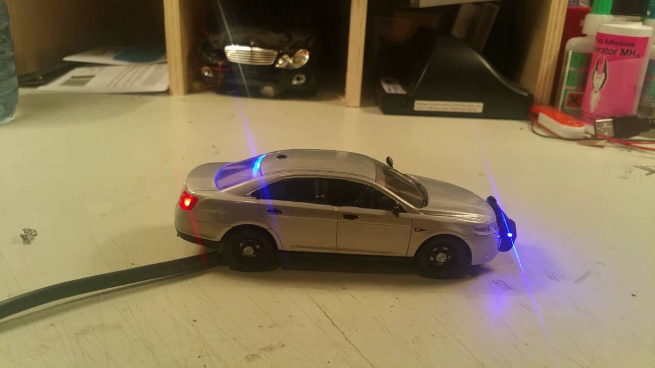 1 43 Ford Taurus Police Car With Working Lights And Siren Youtube