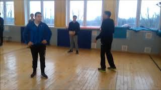 Урок по волейболу