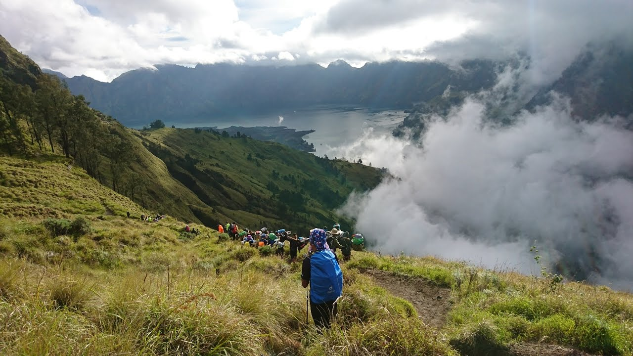 Climbing mount rinjani package lombok island indonesia about us - Hiking Mount Rinjani National Park Lombok Island Indonesia Full Hd