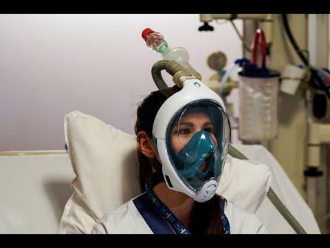الحاجة أم الاختراع .. أقنعة الغوص تتحول إلى أجهزة تنفس لمواجهة كورونا  - 17:01-2020 / 3 / 30