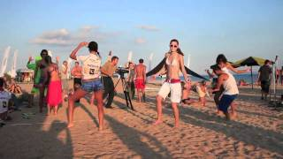 Танцы девушек кайтсерферов